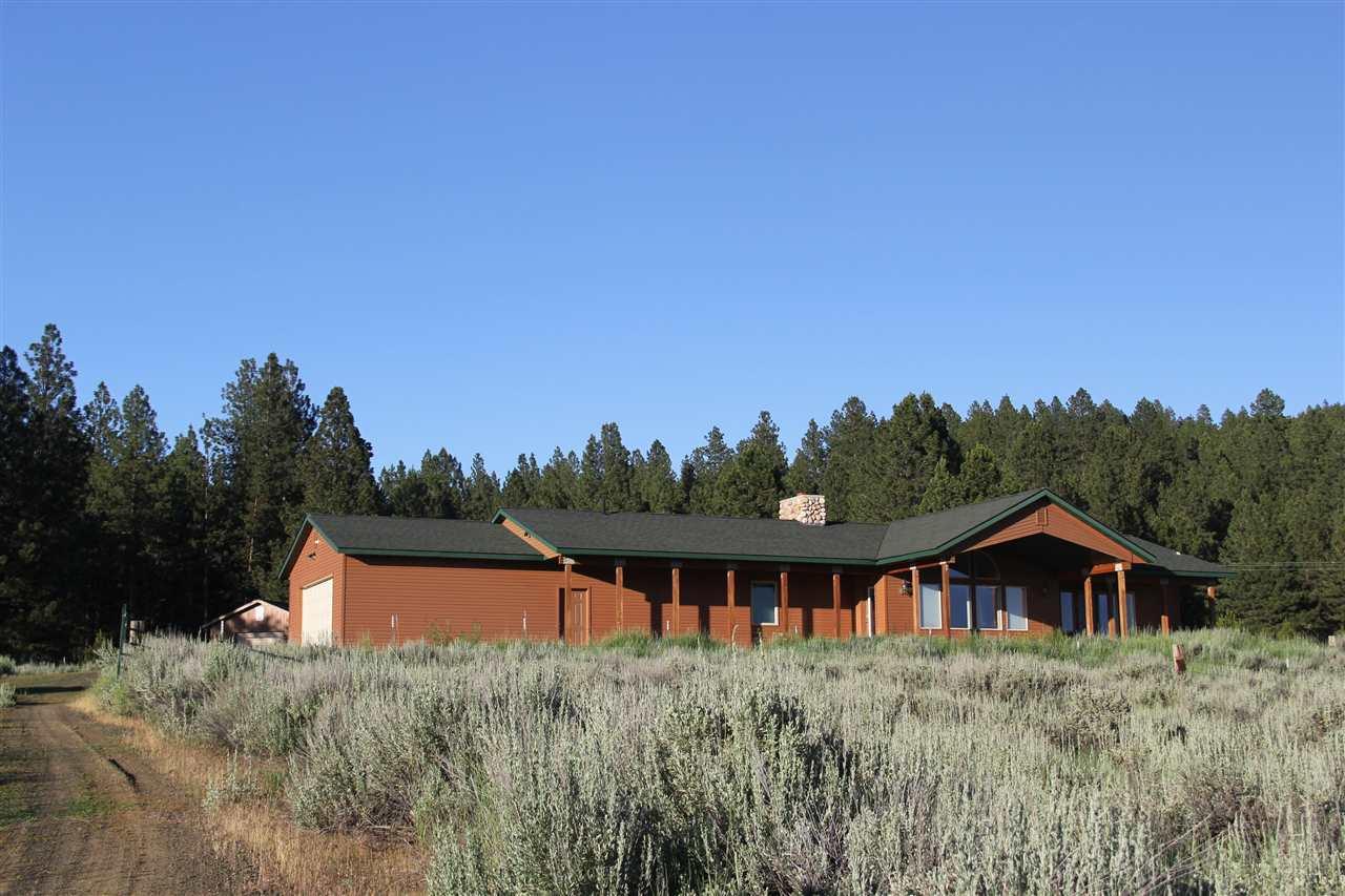Casa Unifamiliar por un Venta en 12160 Hwy 55 12160 Hwy 55 Cascade, Idaho 83611