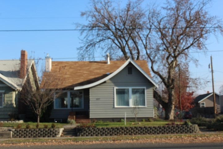 Single Family Home for Sale at 1127 8th Street 1127 8th Street Lewiston, Idaho 83501