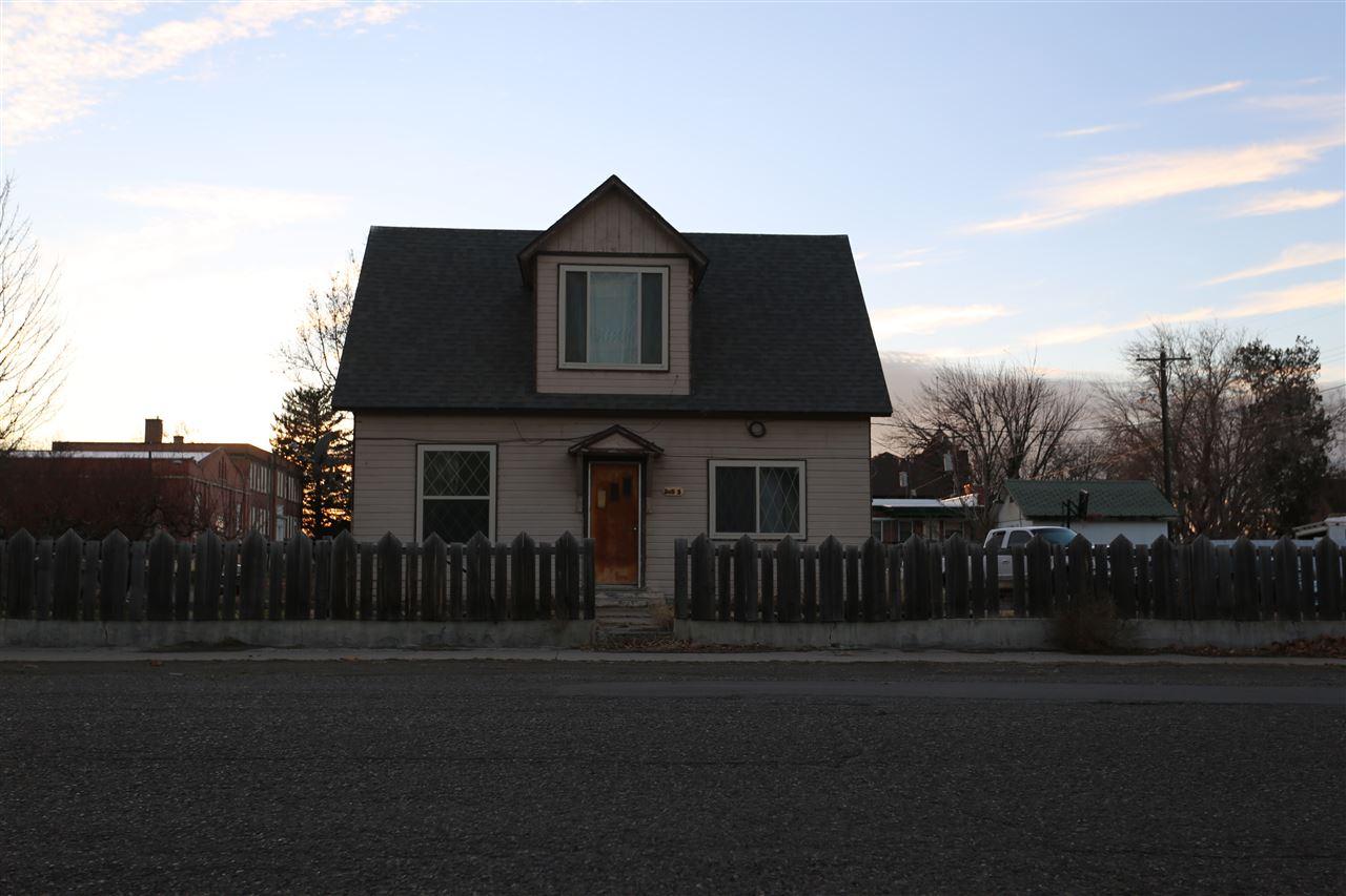 Casa Unifamiliar por un Venta en 385 S Commercial 385 S Commercial Glenns Ferry, Idaho 83623