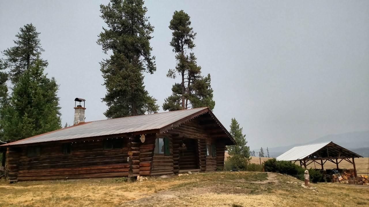 Casa Unifamiliar por un Venta en 401 Elk Creek Road 401 Elk Creek Road Elk City, Idaho 83525
