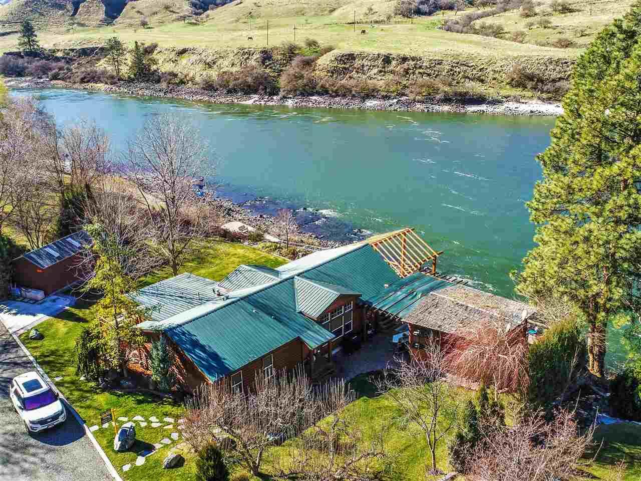 独户住宅 为 销售 在 72 River Front Road 72 River Front Road Lucile, 爱达荷州 83542