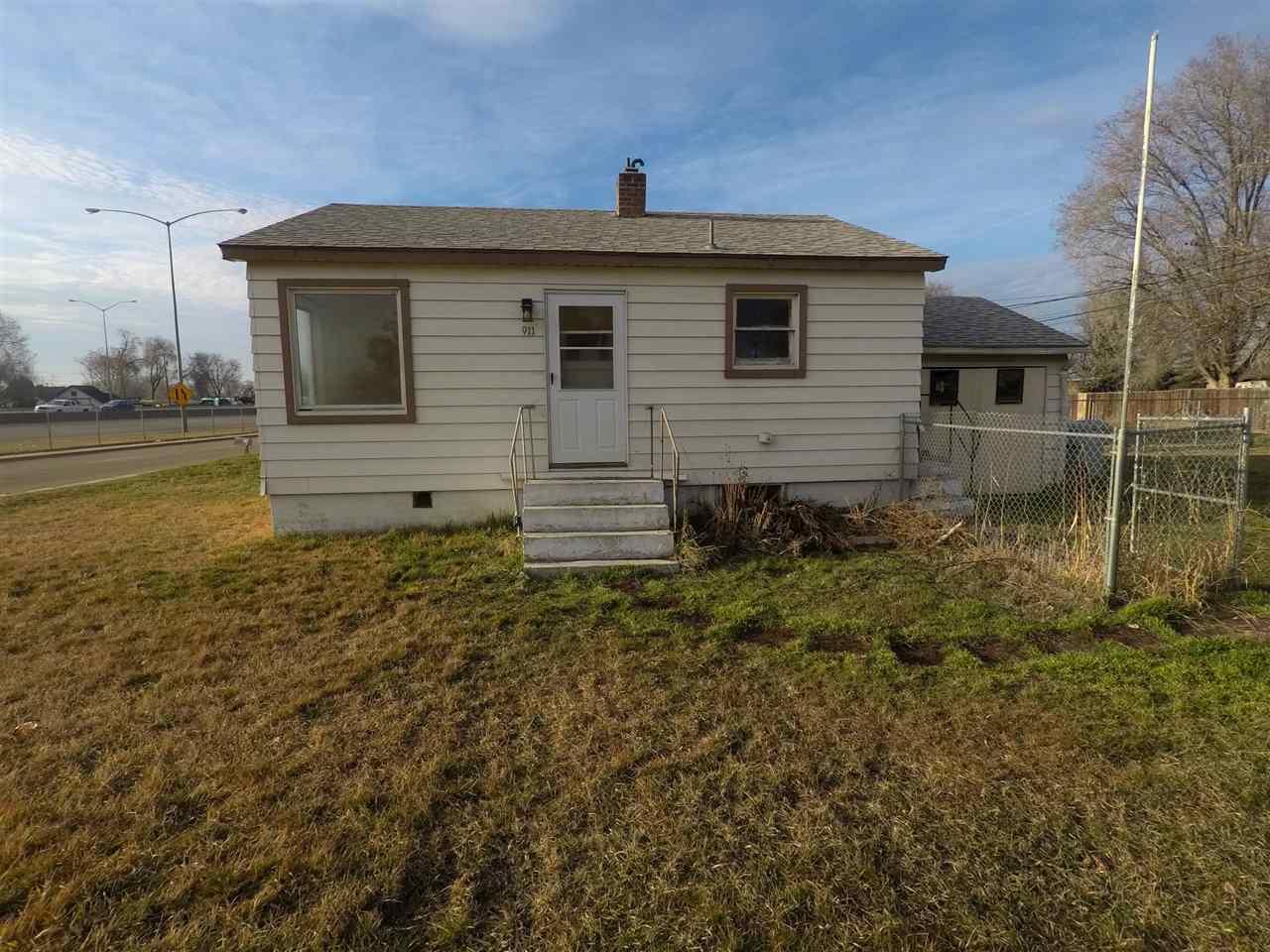 911 N 3rd Avenue, Caldwell, Idaho 83605, 2 Bedrooms, 1 Bathroom, Rental For Rent, Price $775, 98681221