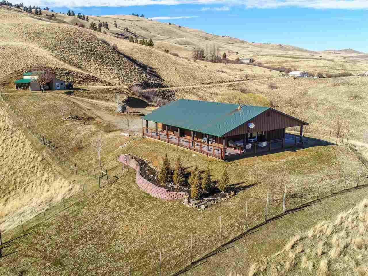 Casa Unifamiliar por un Venta en 344 Whitewater Wilderness Drive 344 Whitewater Wilderness Drive Pollock, Idaho 83547