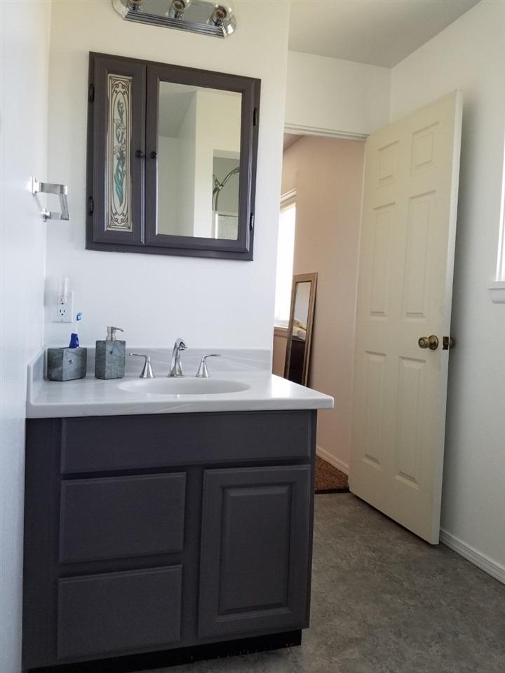 353 W Madison,Glenns Ferry,Idaho 83623,5 Bedrooms Bedrooms,3 BathroomsBathrooms,Residential,353 W Madison,98682094