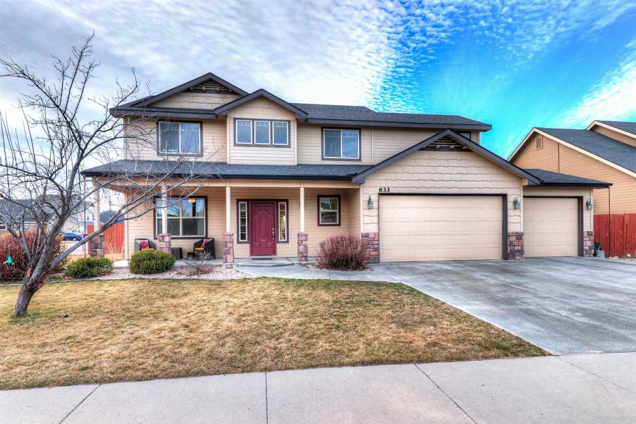 633 N Saddlebrook Way,Star,Idaho 83669,4 Bedrooms Bedrooms,2.5 BathroomsBathrooms,Residential,633 N Saddlebrook Way,98682103