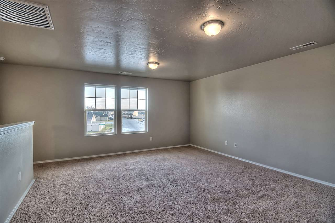 3620 S Fork Ave.,Nampa,Idaho 83686,4 Bedrooms Bedrooms,2.5 BathroomsBathrooms,Residential,3620 S Fork Ave.,98682225