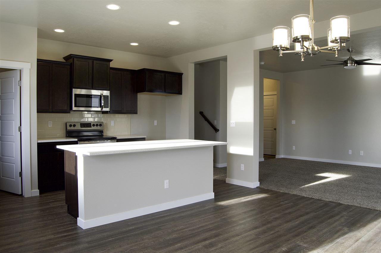 119 S Baraya Way,Meridian,Idaho 83642,3 Bedrooms Bedrooms,2.5 BathroomsBathrooms,Residential,119 S Baraya Way,98682230