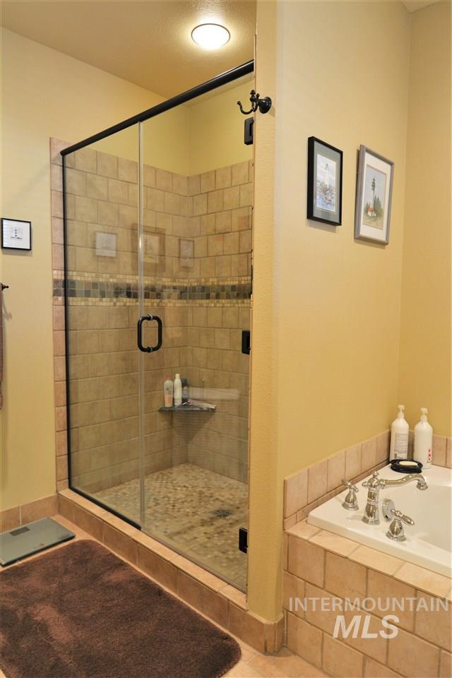 2533 White Ave.,Moscow,Idaho 83843,2 Bedrooms Bedrooms,2.5 BathroomsBathrooms,Residential,2533 White Ave.,98682332