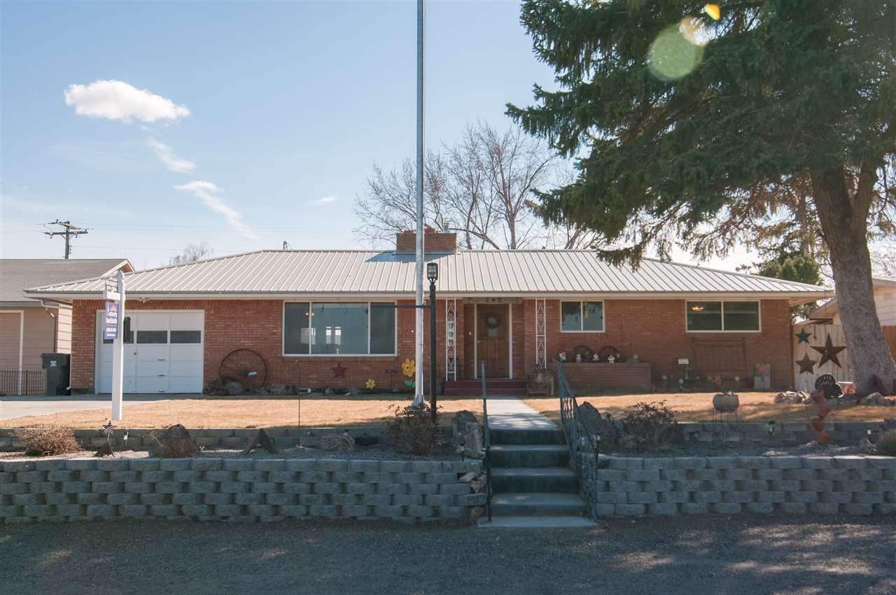 Casa Unifamiliar por un Venta en 11 W California Avenue 11 W California Avenue Homedale, Idaho 83628