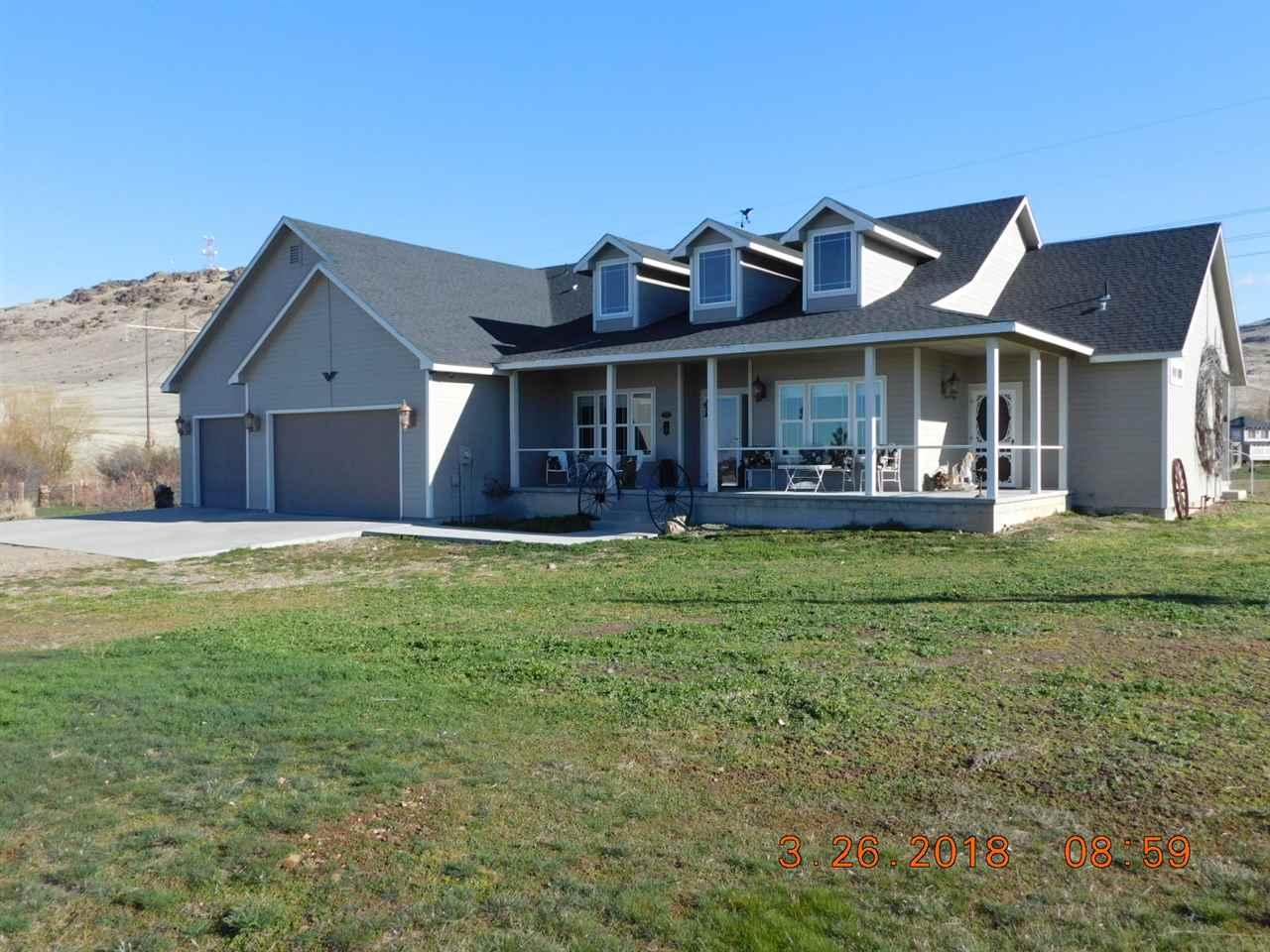 独户住宅 为 销售 在 11720 Hwy20 11720 Hwy20 Mountain Home, 爱达荷州 83647
