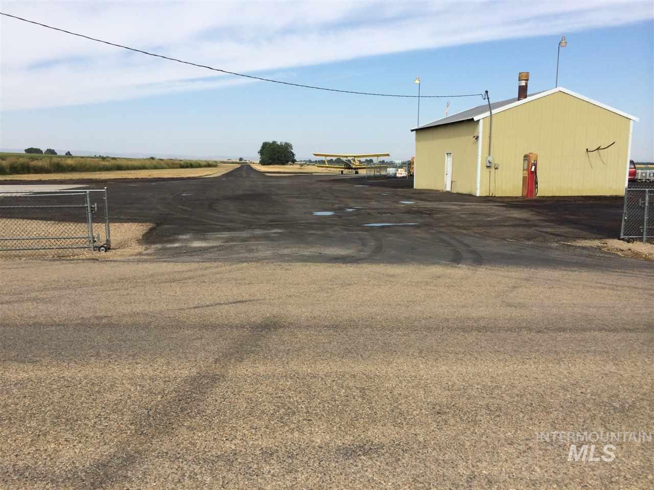 Negocio por un Venta en 20219 Van Slyke Road 20219 Van Slyke Road Greenleaf, Idaho 83626