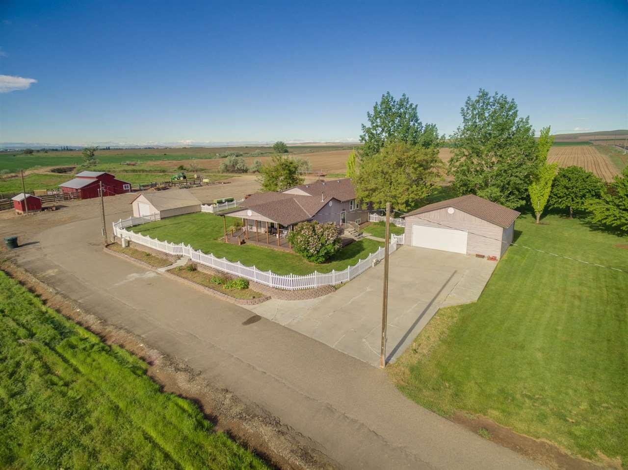 农场 为 销售 在 439 Evergreen 439 Evergreen Ontario, 俄勒冈州 97914