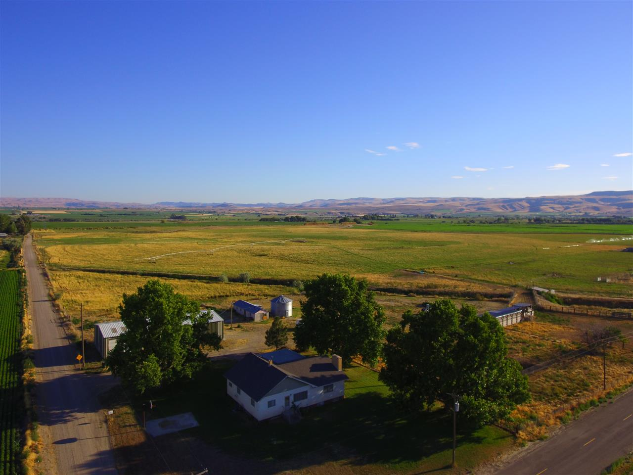 Granja por un Venta en 1899 Cassia Road 1899 Cassia Road Adrian, Oregon 97901