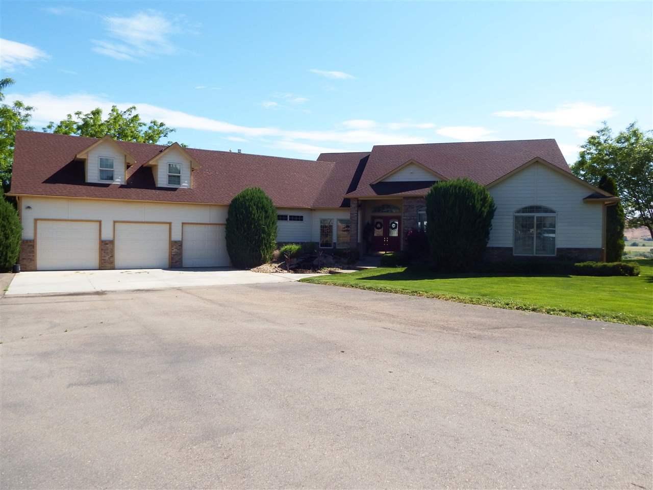 Casa Unifamiliar por un Venta en 7856 HIdden Valley Road 7856 HIdden Valley Road Marsing, Idaho 83639