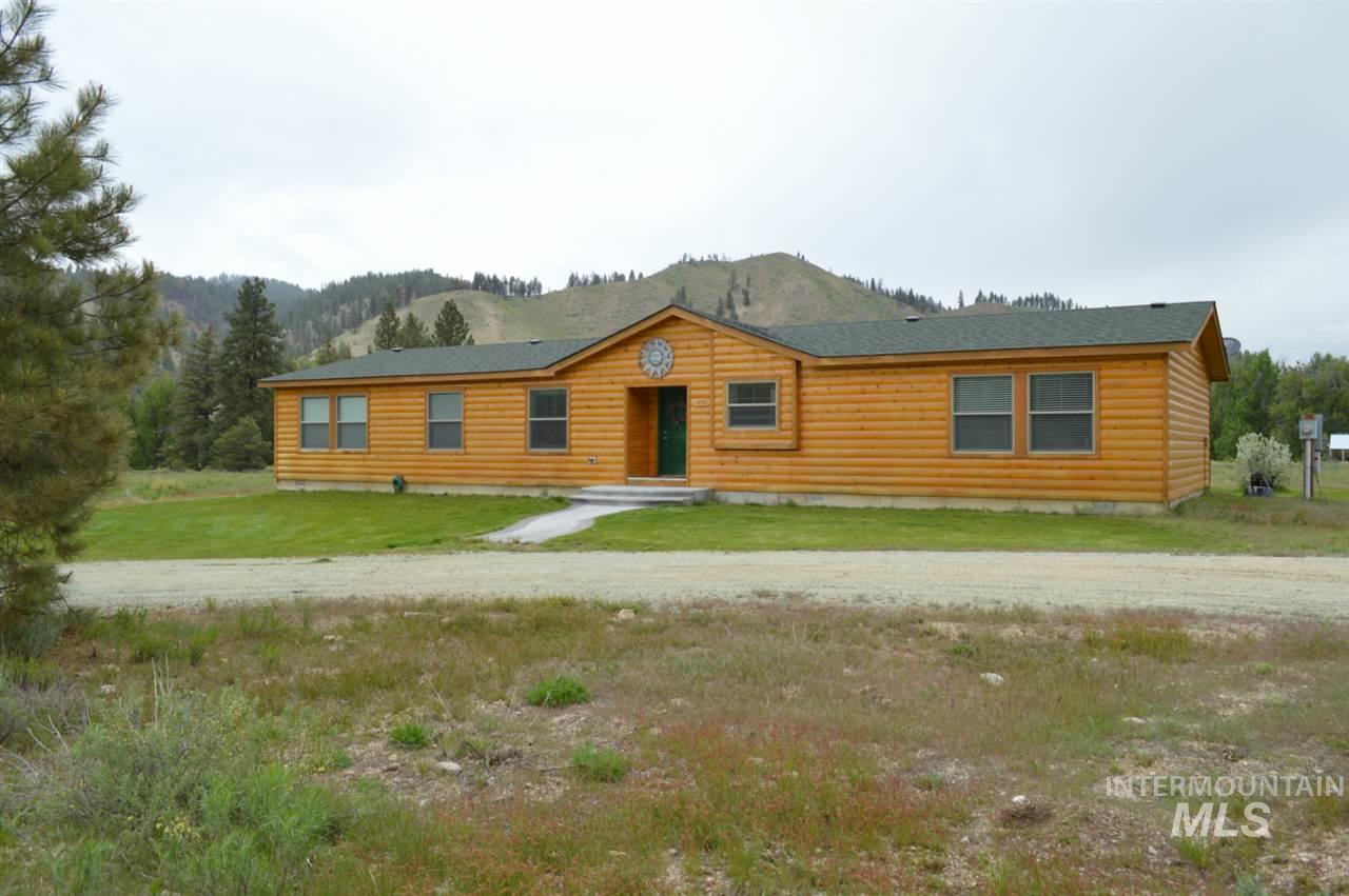 Casa Unifamiliar por un Venta en 1446 Pine Creek Road 1446 Pine Creek Road Featherville, Idaho 83647