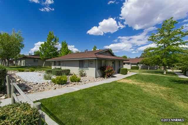 Apartamento por un Venta en 3501 Vista Grande Bl 52 Minden, Nevada 89410 Estados Unidos