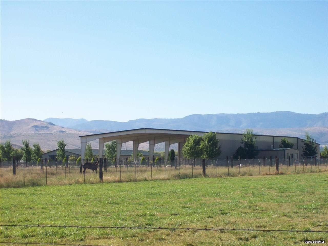 Casa Unifamiliar por un Venta en 945 Dressler Gardnerville, Nevada 89460 Estados Unidos
