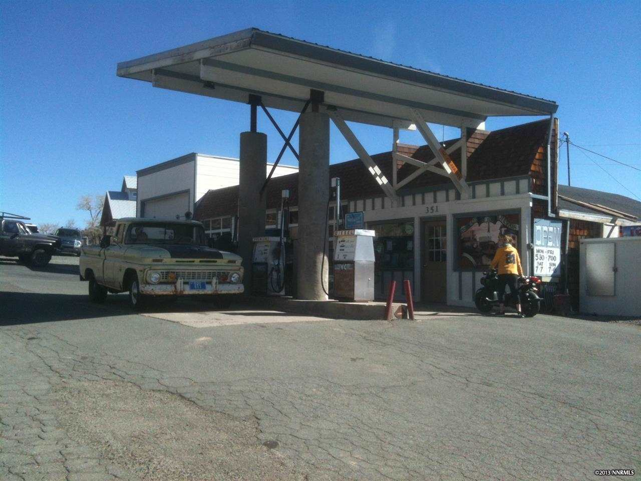 Comercial por un Venta en 351 N C STREET Virginia City, Nevada 89440 Estados Unidos