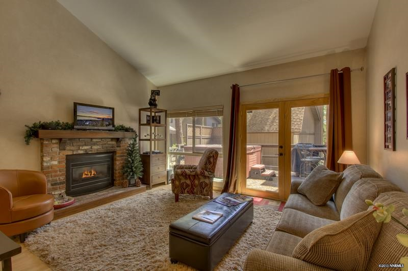 共管式独立产权公寓 为 销售 在 330 Ski Way Incline Village, NV 89451 ,Washoe 330 Ski Way N Incline Village, NV 89451 Incline Village, 内华达州 89451 美国