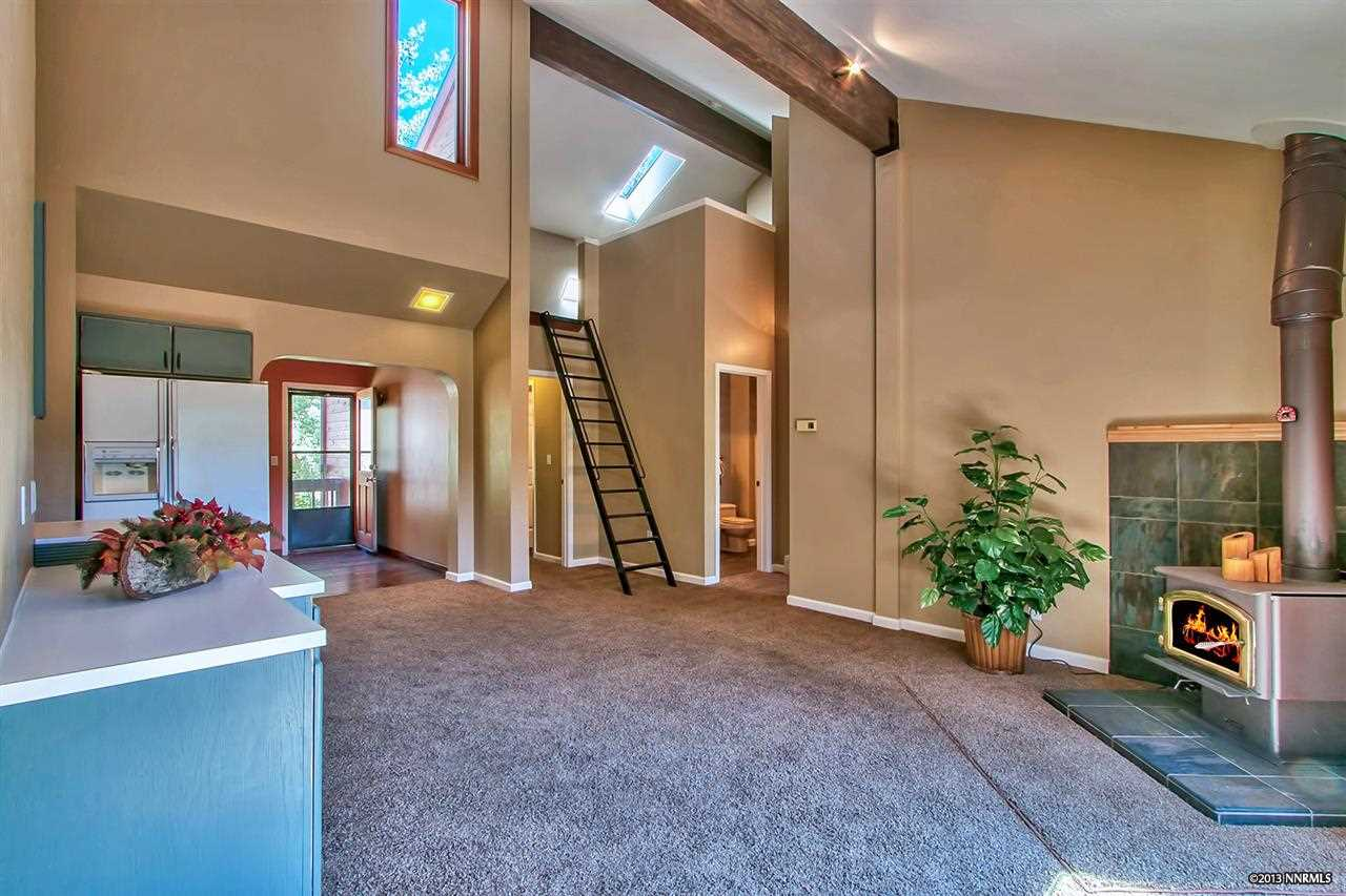 Additional photo for property listing at 945 Divot Court #3 ,Washoe  Incline Village, 内华达州 89451 美国