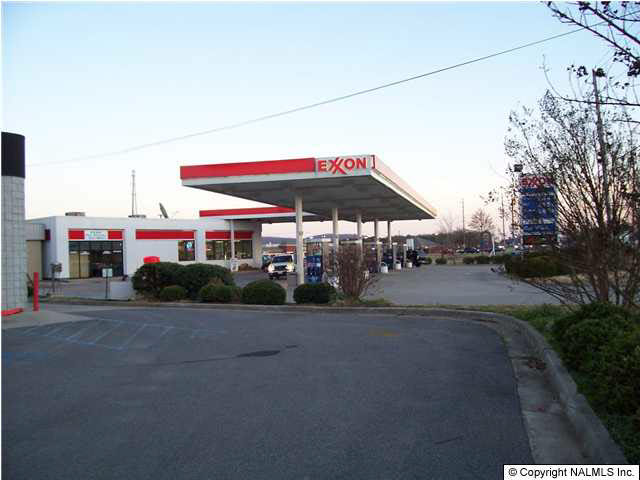 JOINING BUSINESS LOCATION----SUPER EXXON NEXT TO EXPRESS LUBE.