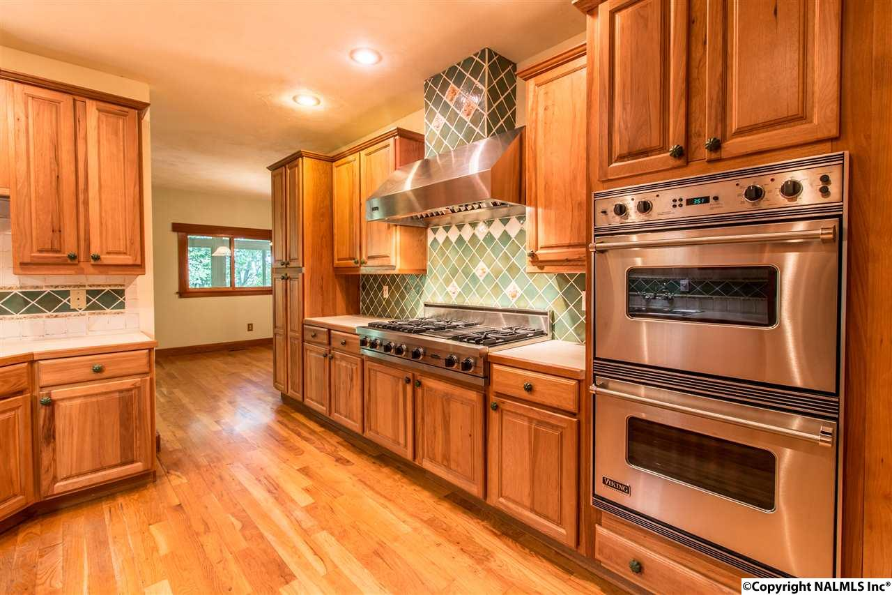 Hickory custom cabinets and high end appliances