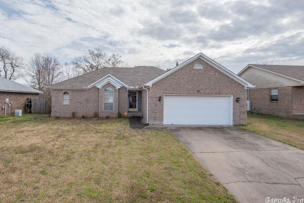 Looking for a move in ready home?  This is it!  Super neat and clean.  Fridge, washer and dryer all convey.  Security system can be transferred into new owners name.