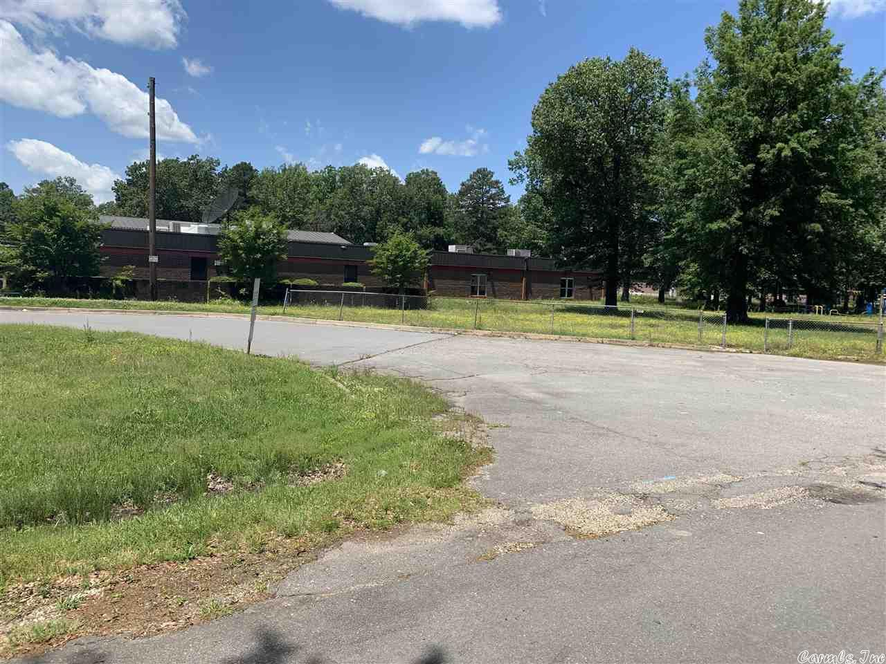 1519 INDIANA INDIANA STREET SCHOOL #No, Pine Bluff, AR 71603
