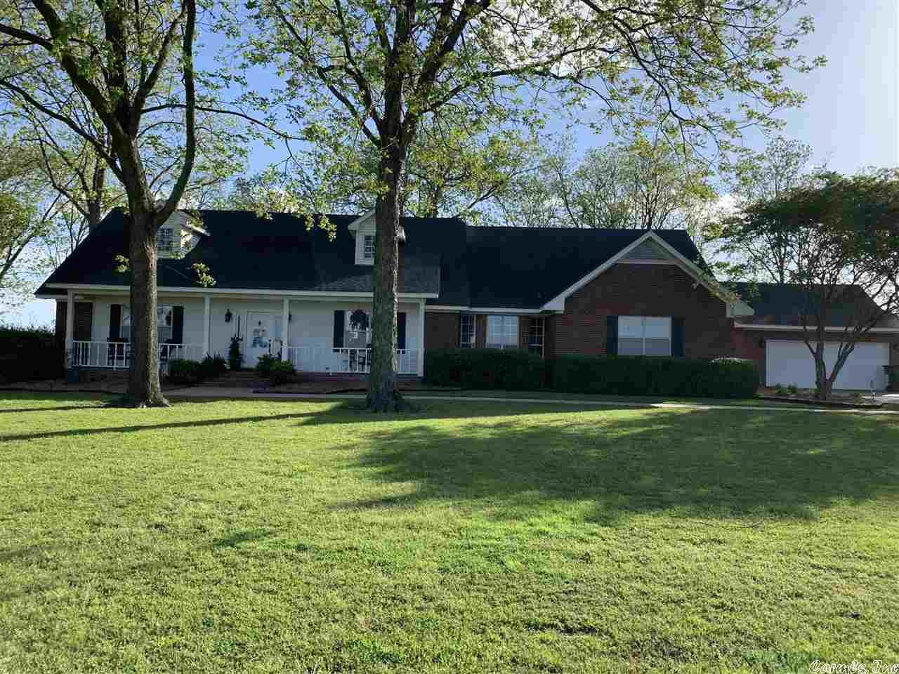 1369 Lakehall Road, Lake Village, AR 71653