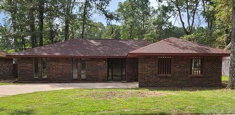 6908 White Oak Cove, Pine Bluff, AR 71602