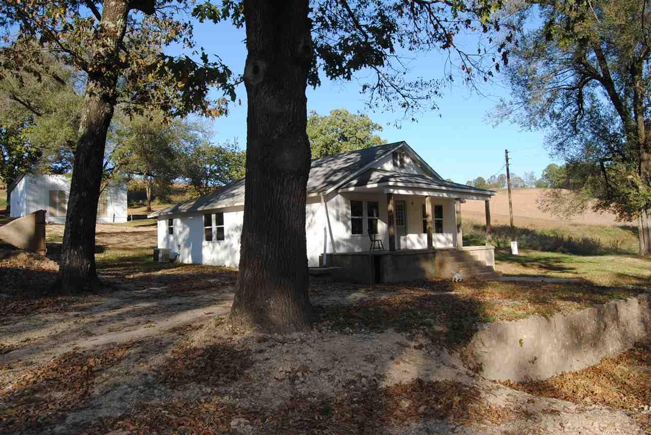 2782 Barren Hollow Rd., Marshall, AR 72650