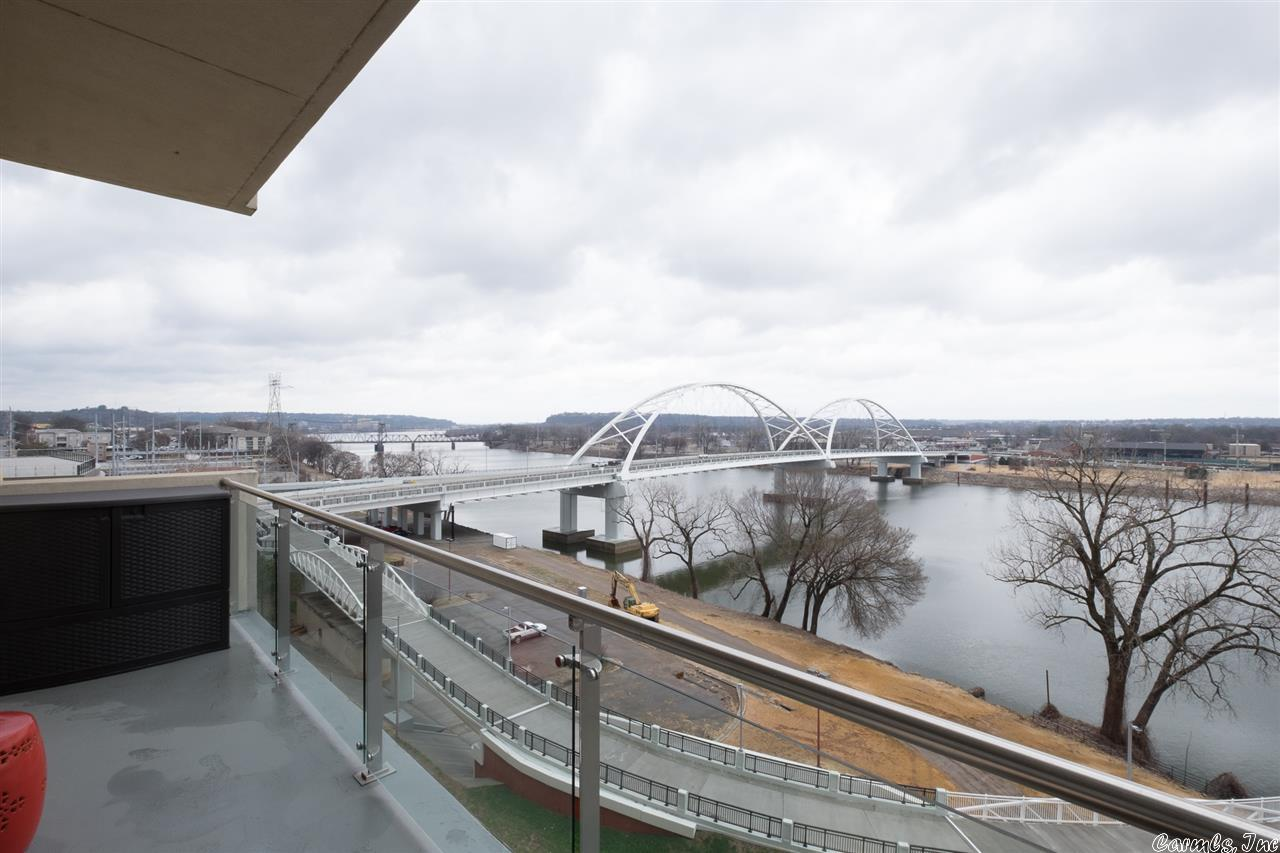 21009993 35 - 5 Statehouse Plaza 7C #7C, Little Rock, AR 72201 <span style='background-color:transparent;padding:0px;'>  <small>    <i> </i>  </small></span>