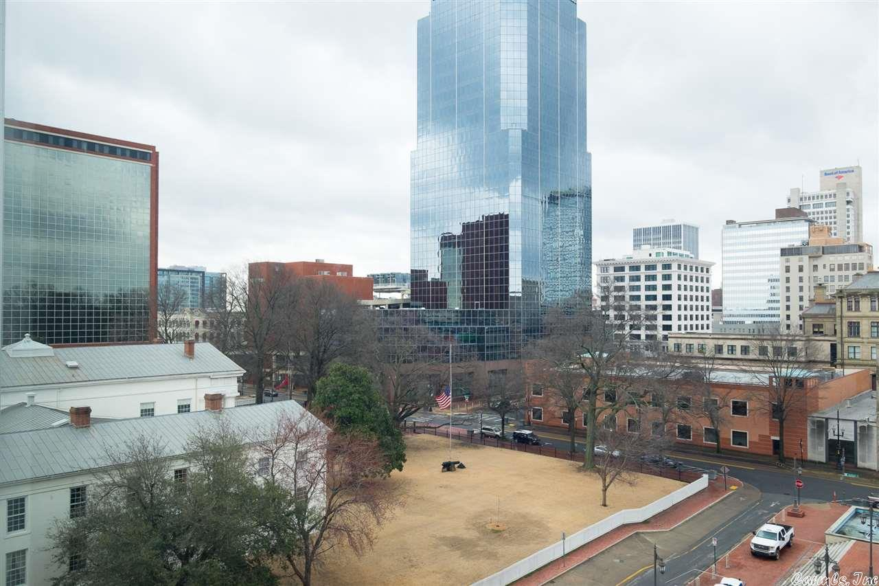 21009993 37 - 5 Statehouse Plaza 7C #7C, Little Rock, AR 72201 <span style='background-color:transparent;padding:0px;'>  <small>    <i> </i>  </small></span>