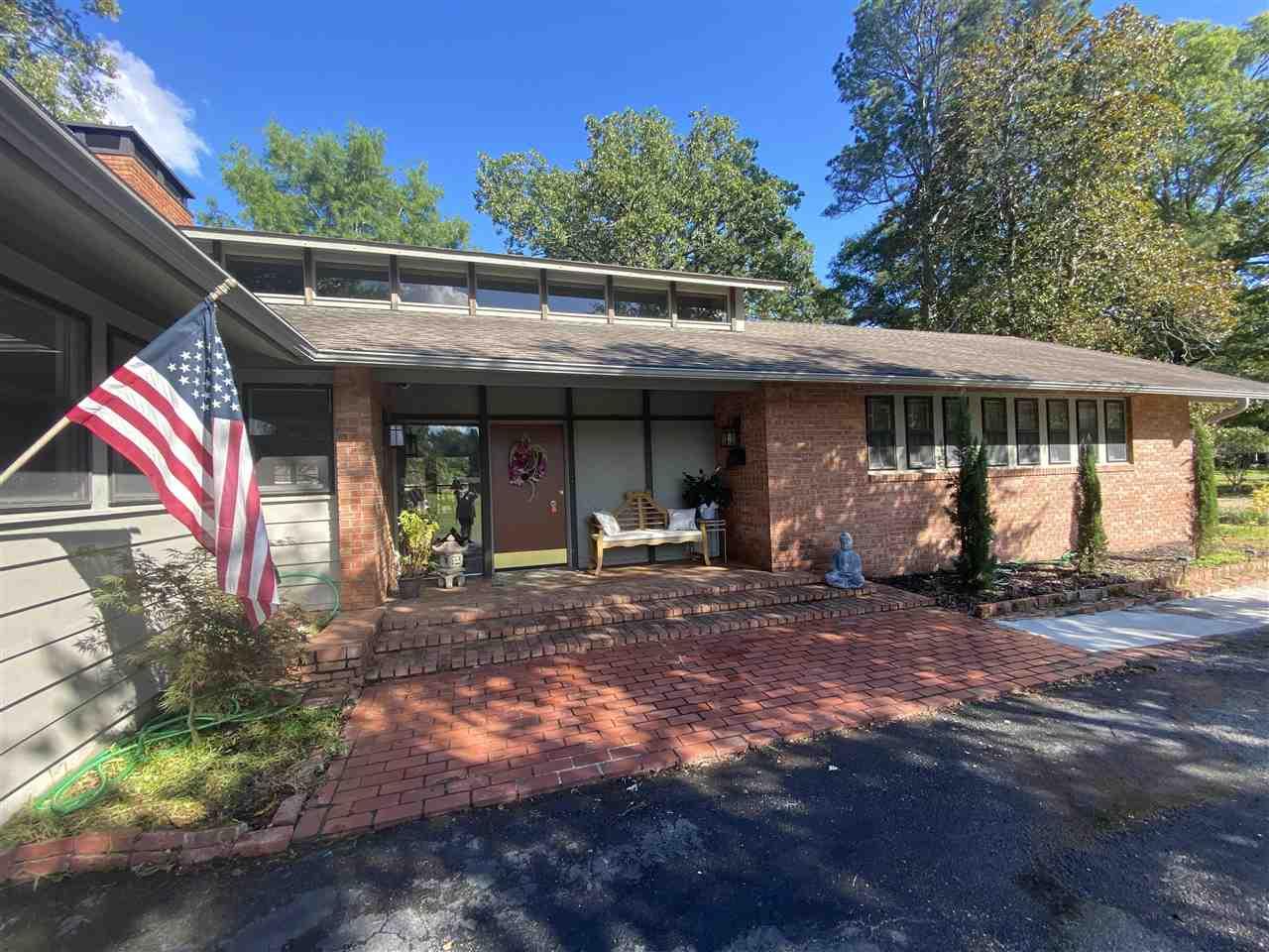 23 Longmeadow, Pine Bluff, AR 71603