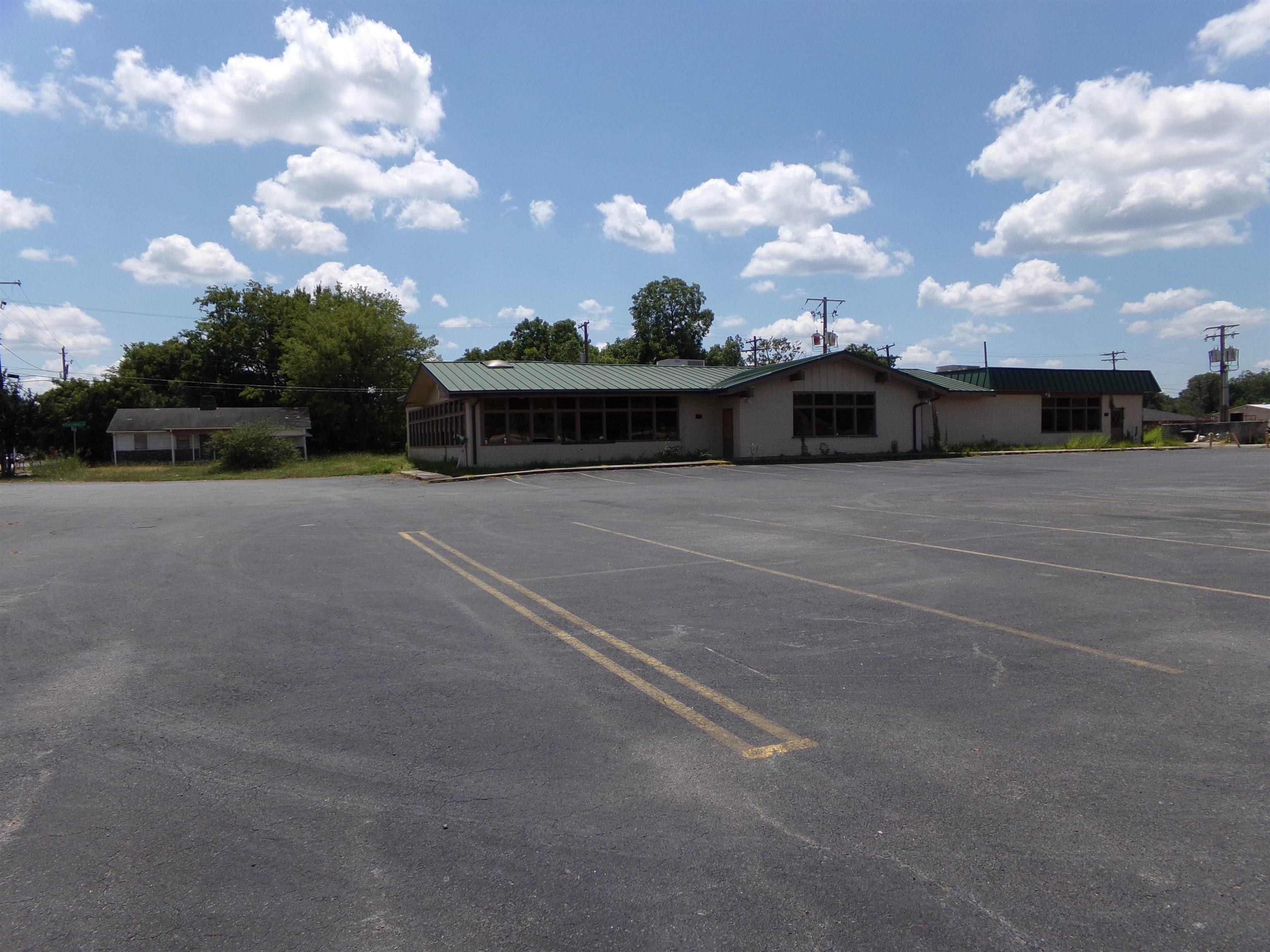 100 N Blake #No, Pine Bluff, AR 71601