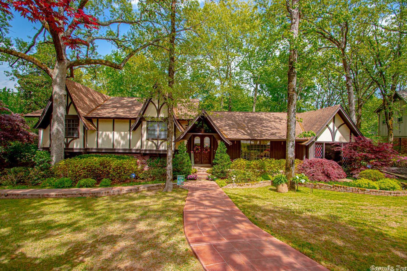 Gem in fabulous NLR Shady Valley neighborhood! Gorgeous from the street w/fabulous street appeal! Nestled in cul-de-sac w/larger homes. Back deck is incredible! Grtroom has vaulted ceiling & wood-burning brick FP. Stunning front doors w/brick floor in foyer w/vaulted ceiling. Eat-in kitchen features pretty window above sink &bay window. 2nd living area. Separate diningrm currently used as office. Master suite is huge w/vaulted ceiling. 2 car side-load garage. Roof less than 10 yrs old per seller. SOLD AS IS