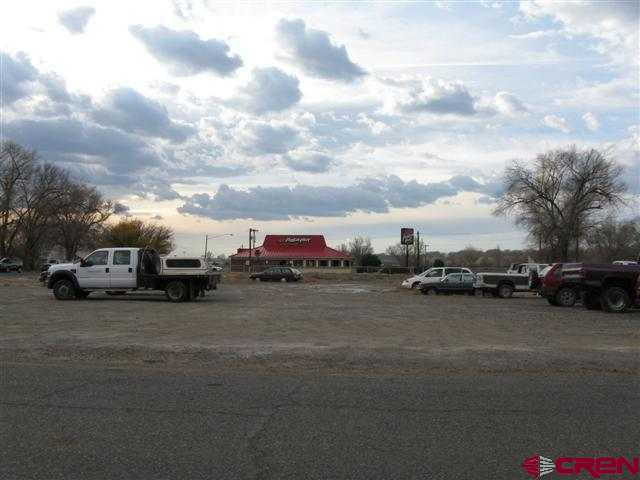 GREAT VACANT COMMERCIAL LOT - SOUTHSIDE OF TOWN.  EXCELLENT VISABILITY TO MAIN STREET.  APROXIMATELY .77 OF AN ACRE.