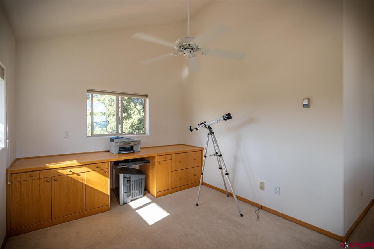 121 S Feather Court