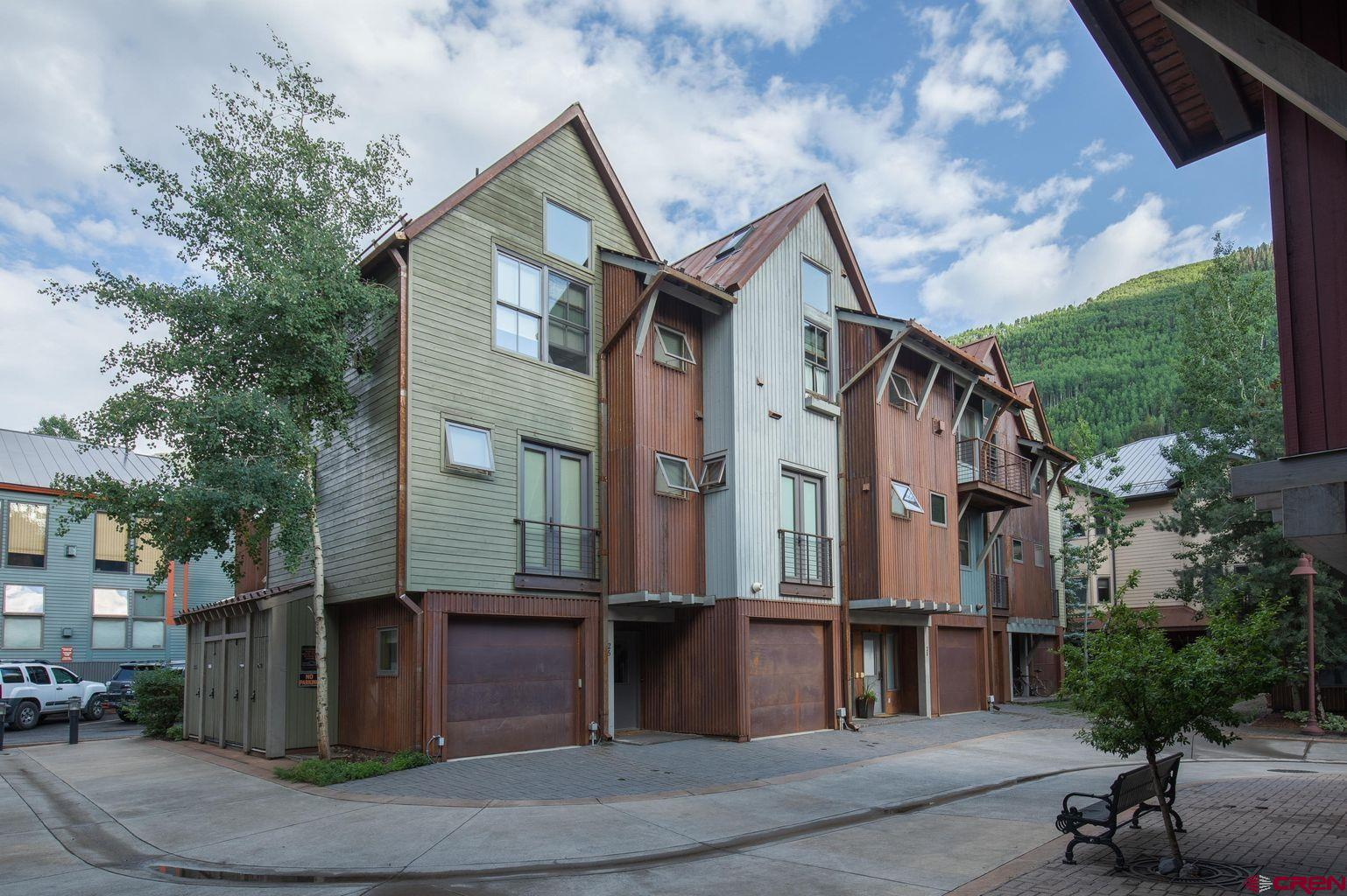Amazing 3 bed 3 bath residence in the exclusive Owl Meadows town home community. Nicely updated end unit with only one shared wall. Tremendous views to the North and East to Ingram Falls and Ajax Peak. Very enjoyable floor plan, ease of ownership, low HOA dues, private 1 car garage, stainless professional grade appliances throughout. 3 bedroom has its own entrance for a great lock off use or flex space.