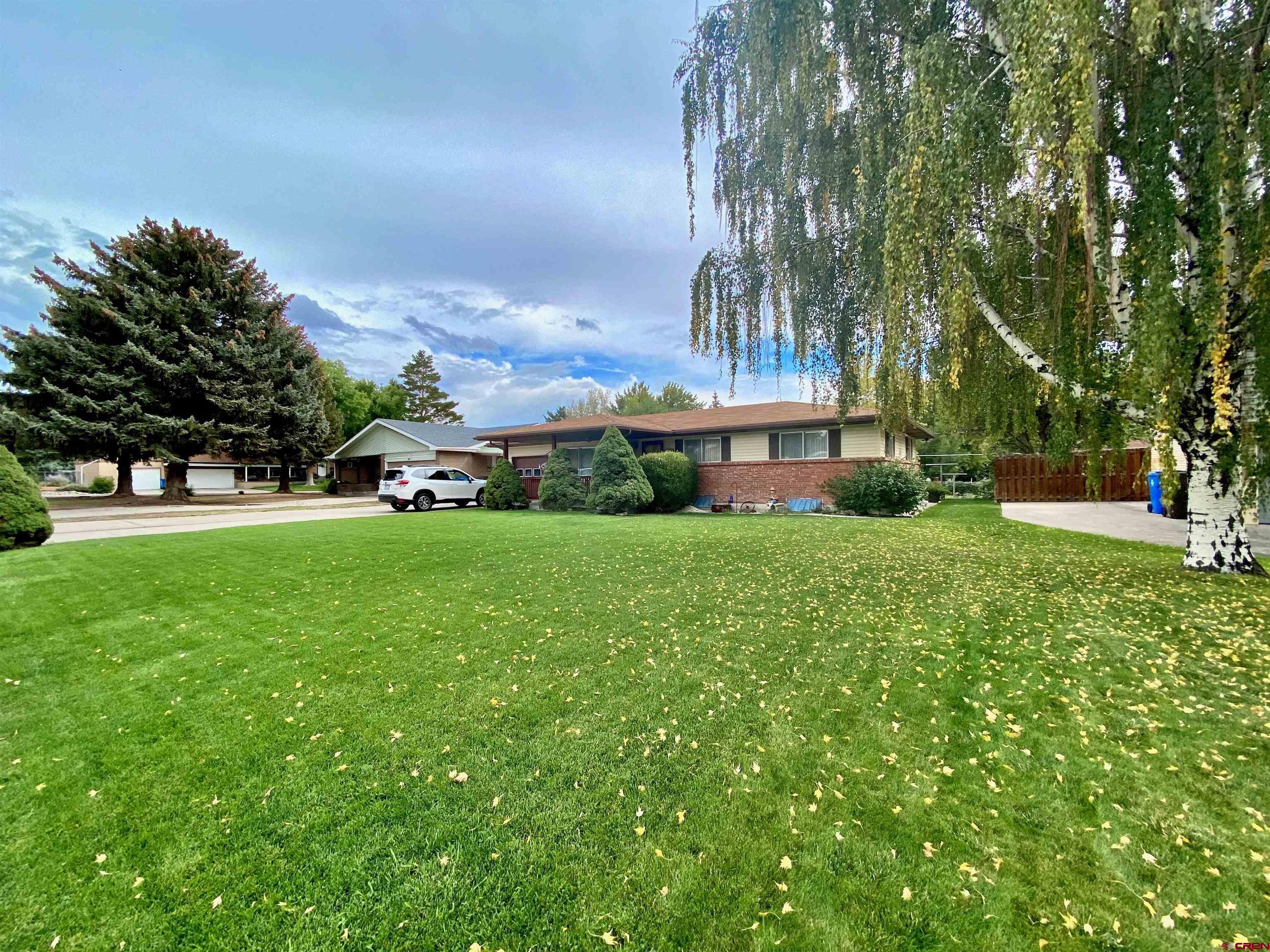 1100 Sunnyside Road, Montrose, CO 81401