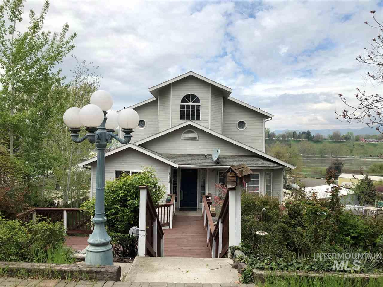 1212 Prospect, Lewiston, Idaho 83501, 4 Bedrooms, 3 Bathrooms, Residential For Sale, Price $299,900, 314736
