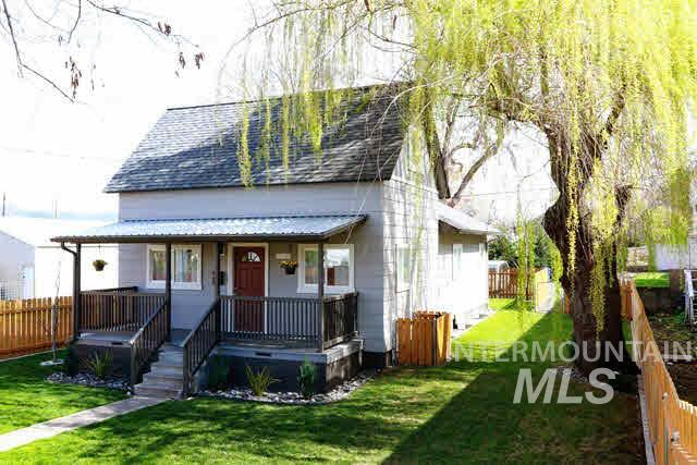 523 16th Street, Lewiston, Idaho 83501, 2 Bedrooms, 1 Bathroom, Residential Income For Sale, Price $220,000, 320357