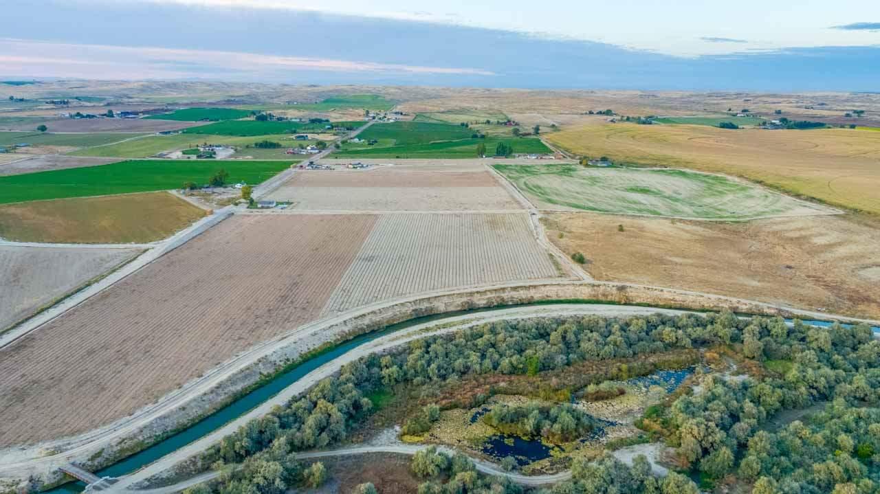 0 LON DAVIS,Parma,Idaho 83660,Farm & Ranch,0 LON DAVIS,98673096