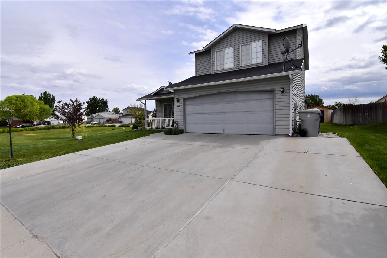 162 N Kildeer way,Nampa,Idaho 83651,3 Bedrooms Bedrooms,3 BathroomsBathrooms,Residential,162 N Kildeer way,98687500