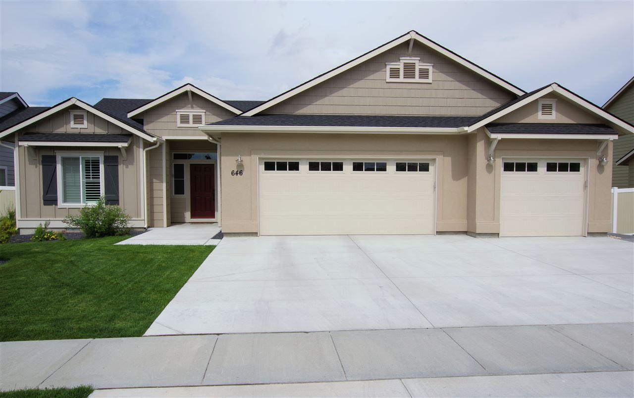 646 S Weston Creek Loop,Nampa,Idaho 83686,3 Bedrooms Bedrooms,2 BathroomsBathrooms,Residential,646 S Weston Creek Loop,98693349