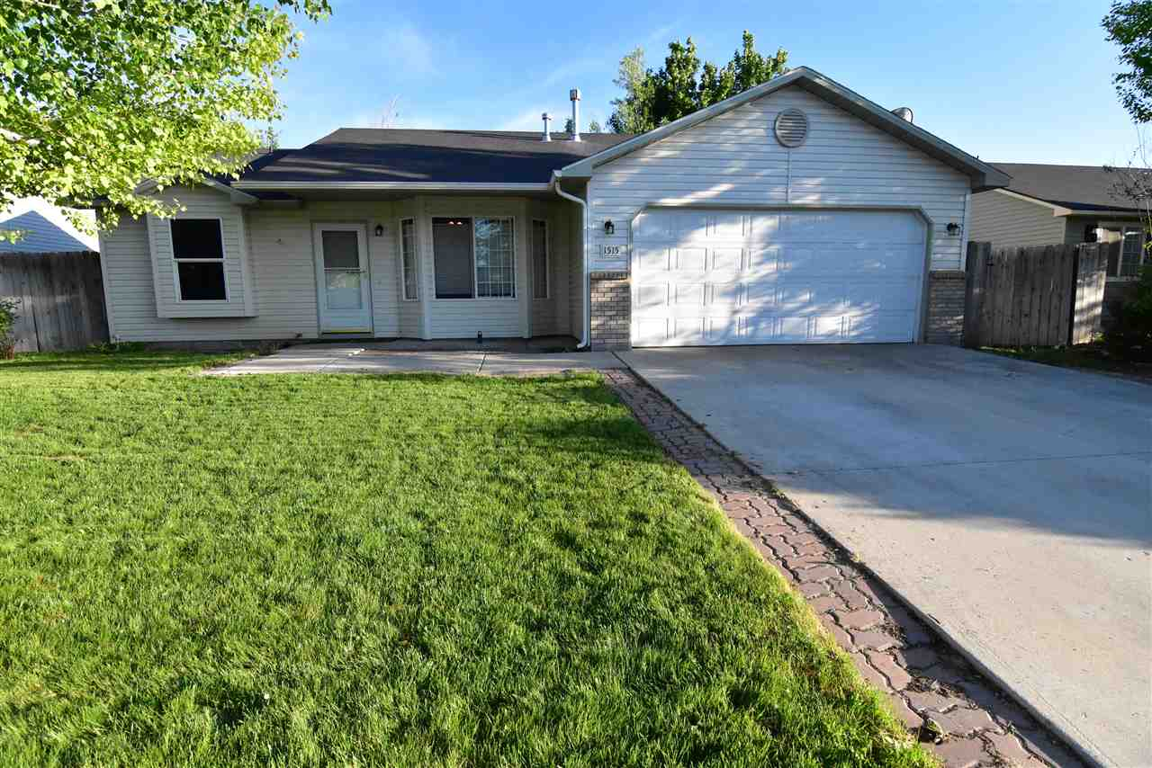 1515 W Blaine Ave,Nampa,Idaho 83651,3 Bedrooms Bedrooms,2 BathroomsBathrooms,Residential,1515 W Blaine Ave,98693361