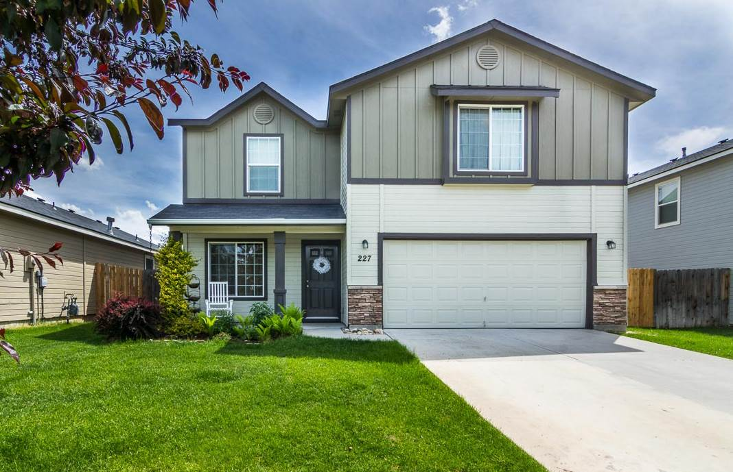 227 White Sands Drive,Meridian,Idaho 83646,3 Bedrooms Bedrooms,2.5 BathroomsBathrooms,Residential,227 White Sands Drive,98693365