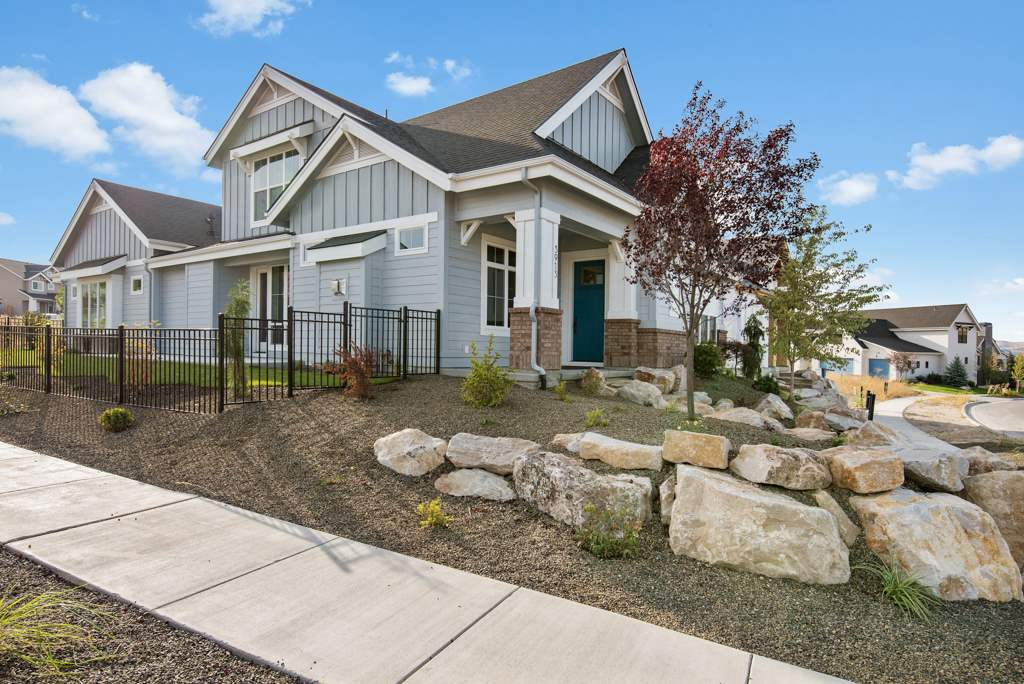 The Rockefeller by Brighton Homes is a Cartwright Ranch exclusive! A darling Energy Star with old North End charm and all of the modern luxuries. Ten foot ceilings in the family room, hardwood floors in the main living area and an open entertaining area. Includes slab granite countertops, custom cabinets and fireplace. Enjoy a bonus media room and third bedroom on the second story. HERS rated! ***$10k Incentive*** Give The Team a call for further information! 208-278-6048 Photo Similar Non-Standard Op
