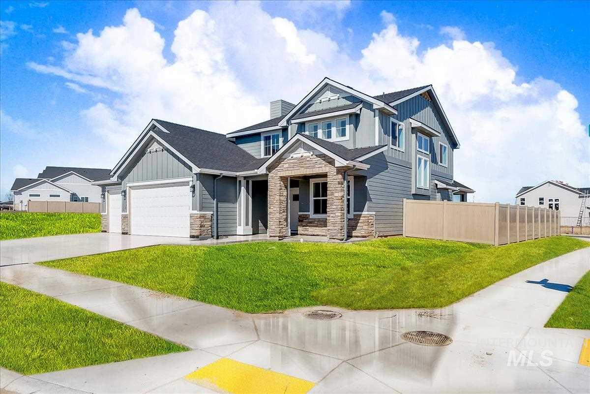 "The ""Bristol"" by Eaglewood Homes is an award winning floor plan. With a large, extravegant master suite on the main level and 4 bedrooms upstairs you will have plenty of space for the entire family. (5th bedroom is large enough to be used as a Bonus Room) Energy efficiency and attention to detail with every Eaglewood Home. You'll love all of the natural light and open feel this home provides. Photos are similar. Caven Ridge Model Home is open from 1-4 daily"