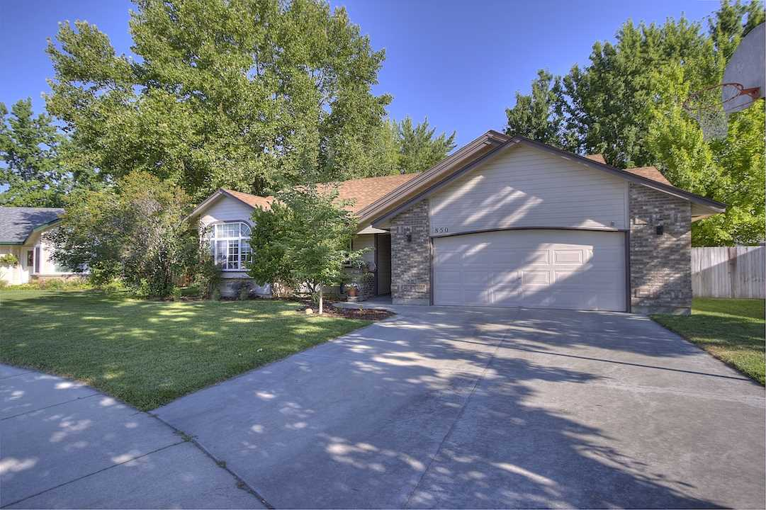 850 E Grouse Dr.,Meridian,Idaho 83646,3 Bedrooms Bedrooms,2 BathroomsBathrooms,Residential,850 E Grouse Dr.,98700705